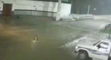 VÍDEO: Finalmente aparece a explicação para a gravação em que mulher desaparece ao atravessar a rua