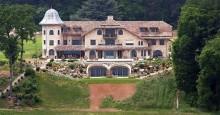 Para ajudar nos gastos, família do piloto Schumacher coloca mansão à venda