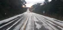 VÍDEO: Maior frente fria do Brasil congela rodovia em SC