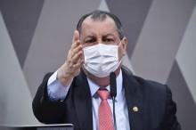 """VÍDEO: Aziz diz que Bolsonaro terá que escrever mais """"cartinhas"""" se desculpando ao povo brasileiro"""