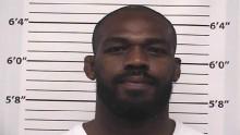 Jon Jones é preso acusado de violência doméstica