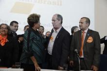 Ciro Gomes e Dilma Rousseff trocam farpas nas redes sociais