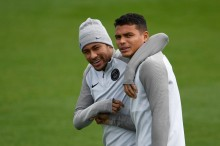 """""""A cobrança não é de acordo com o que faz dentro de campo, e sim, fora dele"""", comenta Thiago Silva sobre críticas a Neymar"""