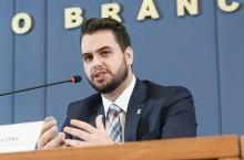 Justiça Federal absolve Filipe Martins de acusação de gesto racista