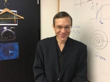 Universo foi criado em um laboratório por ETs, afirma professor de Harvard