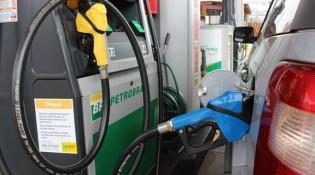 Gasolina sobe pela 6ª vez no ano