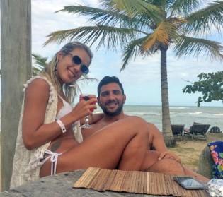 Júlia Lotufo com Adriano da Nóbrega em foto de arquivo sem data (CRÉDITO: REPRODUÇÃO)