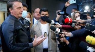 O presidente na saída do hospital onde esteve internado (CRÉDITO: SÉRGIO LIMA/PODER 360)