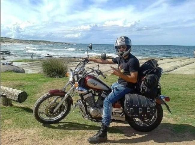 Em 2015, Ruy atravessou toda a costa do Uruguai em uma viagem de moto na companhia de amigos.
