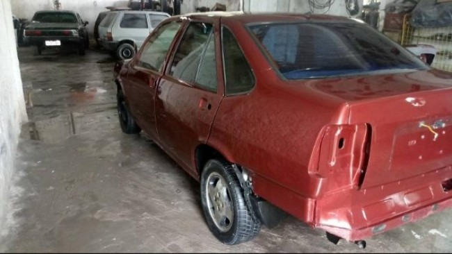 Fiat Tempra safety car durante a restauração, realizada em Itabuna, na Bahia, e que levou 35 dias (ARQUIVO PESSOAL)