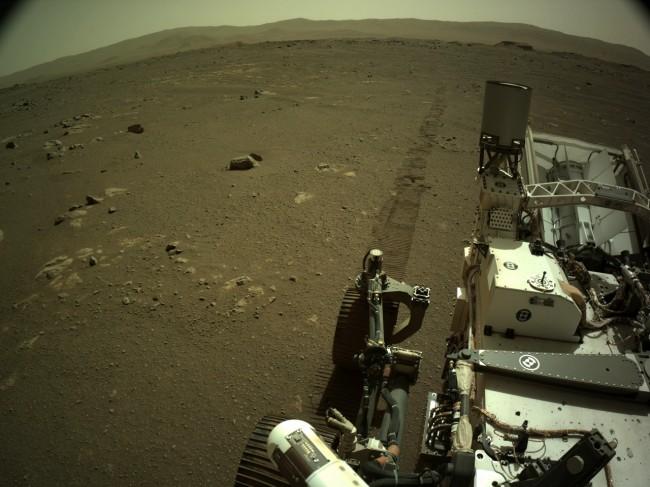 Imagem capturada pelo robô Mars Perseverance, da Nasa, em Marte (CRÉDITO: DIVULGAÇÃO/NASA / JPL-CALTECH)