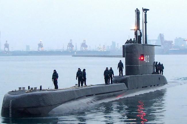 Foto de arquivo do submarino da Marinha da Indonésia que desapareceu nesta quarta-feira (21), em Bali (CRÉDITO: HANDOUT/INDONESIA MILITARY/AFP)