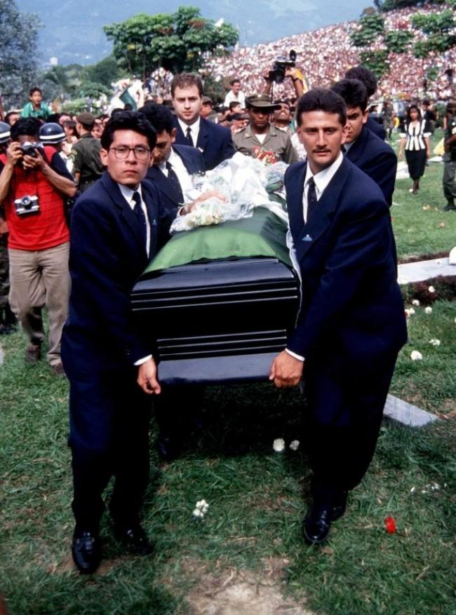 O funeral do jogador teve repercussão mundial (CRÉDITO: RECURSOS DO REX)