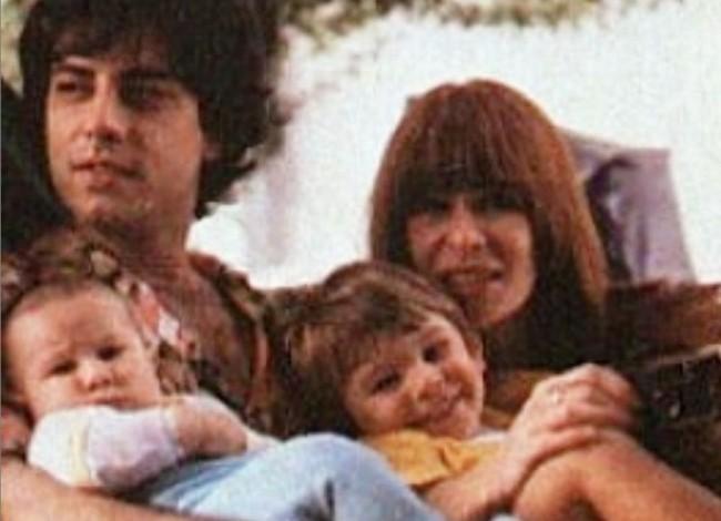 Rita Lee, Roberto de Carvalho e os filhos João e Beto Lee (CRÉDITO: REPRODUÇÃO/INSTAGRAM)
