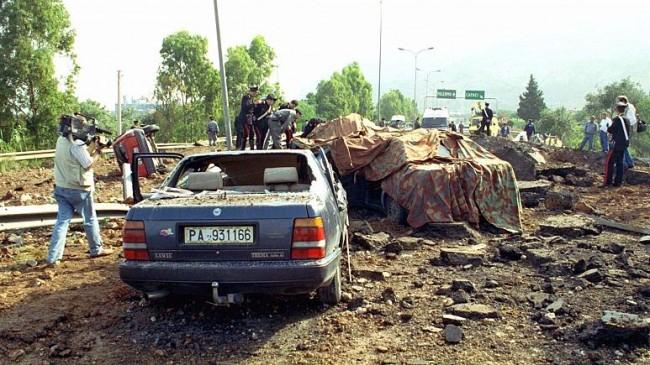 Em 23 de maio de 1992 uma explosão causada por Brusca matou o promotor anti-máfia Giovanni Falcone (CRÉDITO: NINO LABRUZZO)