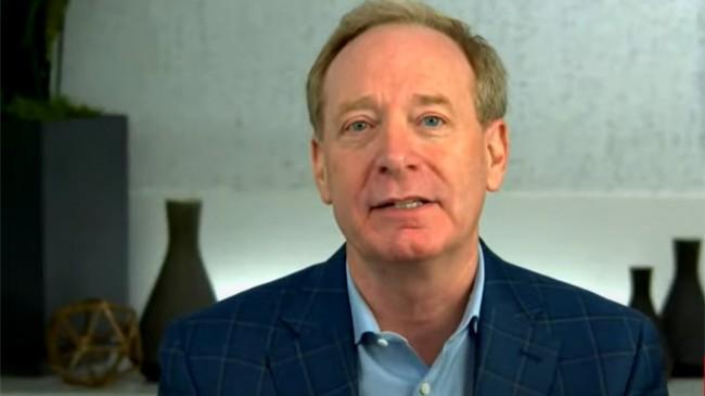 Brad Smith atua como diretor jurídico e executivo de tecnologia da Microsoft (CRÉDITO: REPRODUÇÃO)