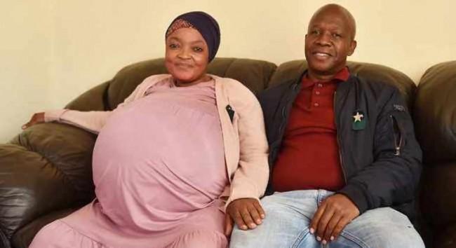Gosiame Thamara Sithole e o companheiro Tebogo Tsotetsi (CRÉDITO: REPRODUÇÃO/INTERNET)