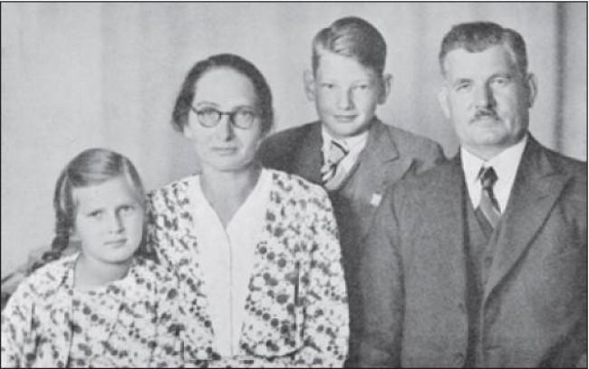 Daniel Berg e família (CRÉDITO: REPRODUÇÃO)