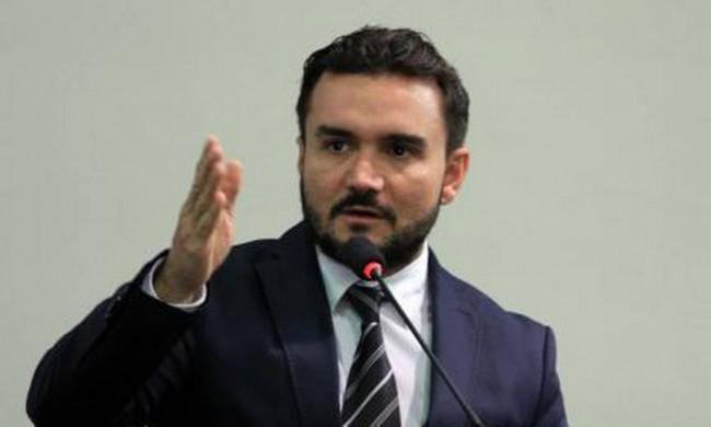 Celso Sabino, relator do texto-base (CRÉDITO: REPRODUÇÃO)